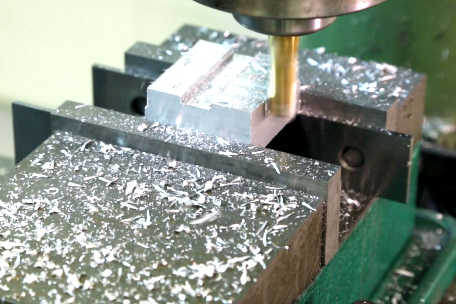 manual milling services by C&M Mould Tools in Dorset uk